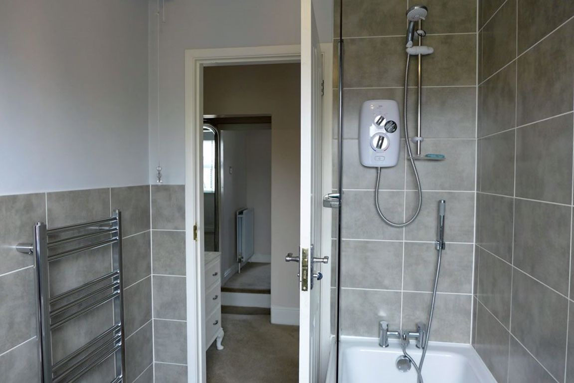 2 bed  to rent  - Property Image 14