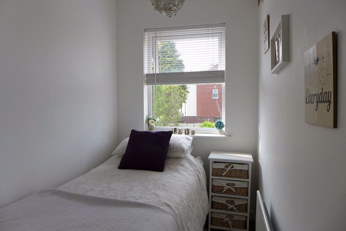 2 bed  to rent  - Property Image 15