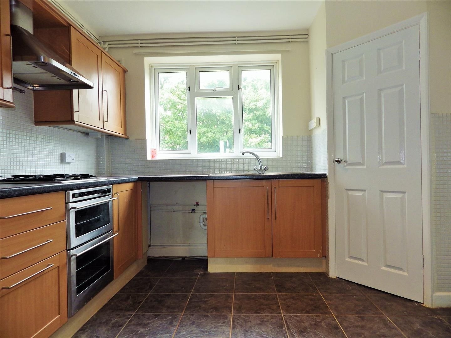 2 bed flat for sale 4