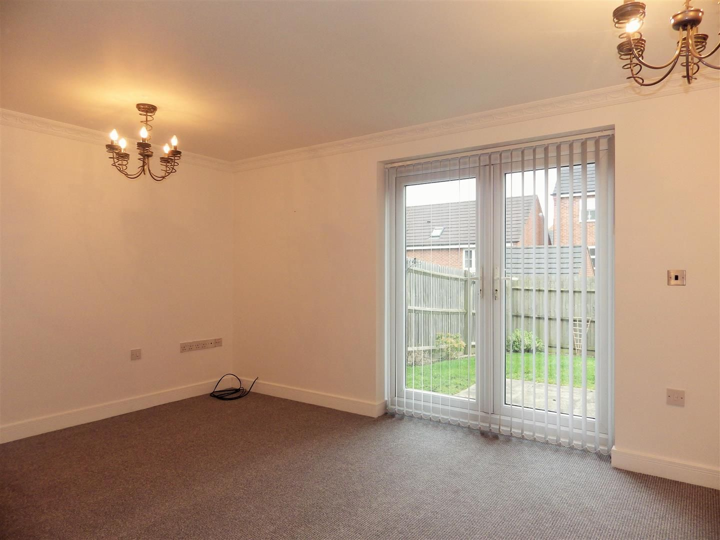 2 bed flat for sale  - Property Image 2