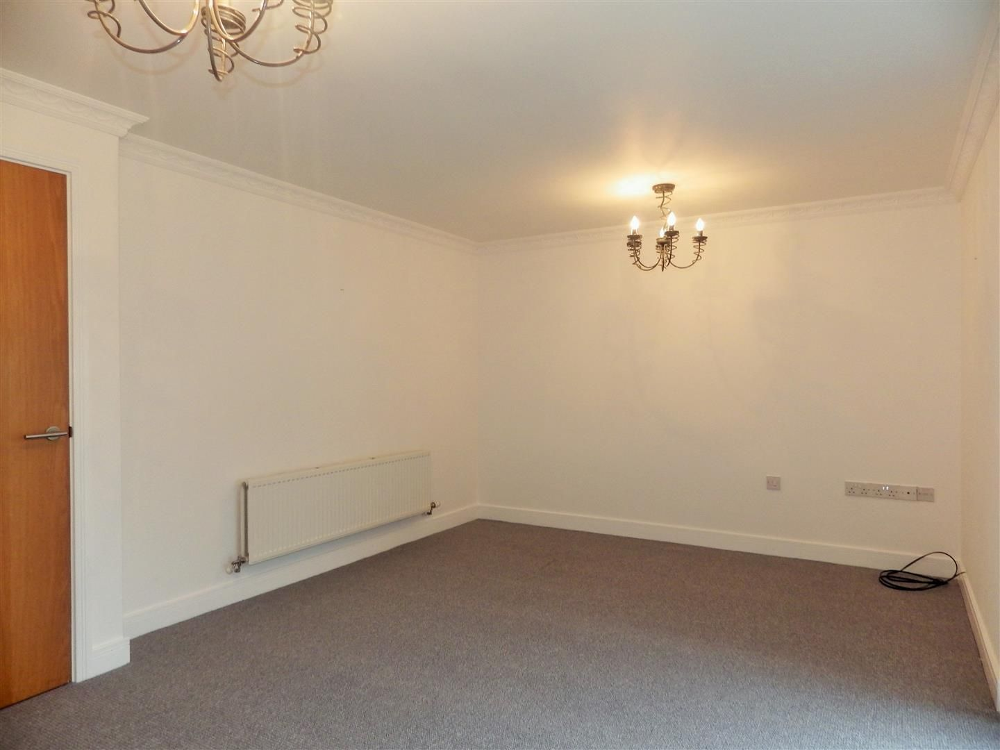 2 bed flat for sale  - Property Image 4