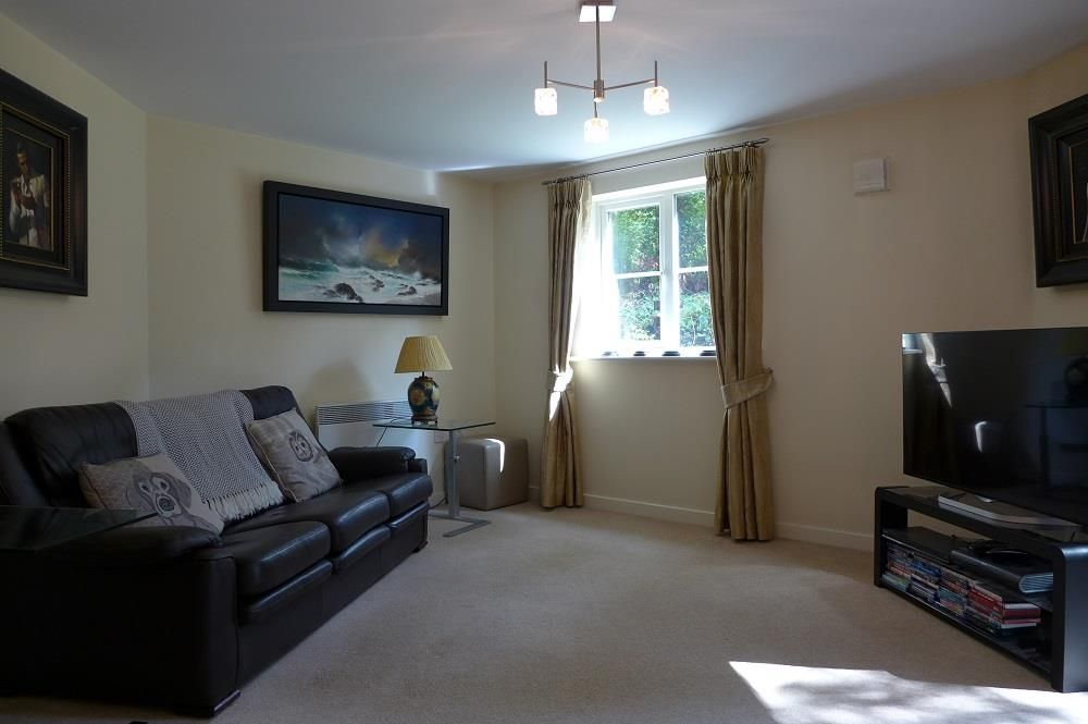 2 bed apartment for sale in Pedmore  - Property Image 4
