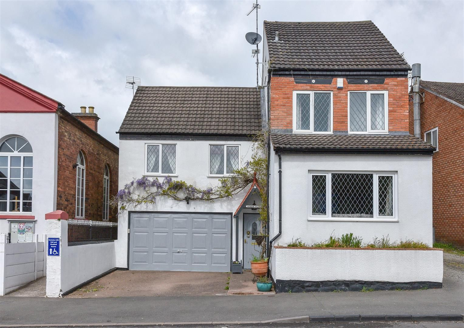4 bed detached for sale in Swindon  - Property Image 1