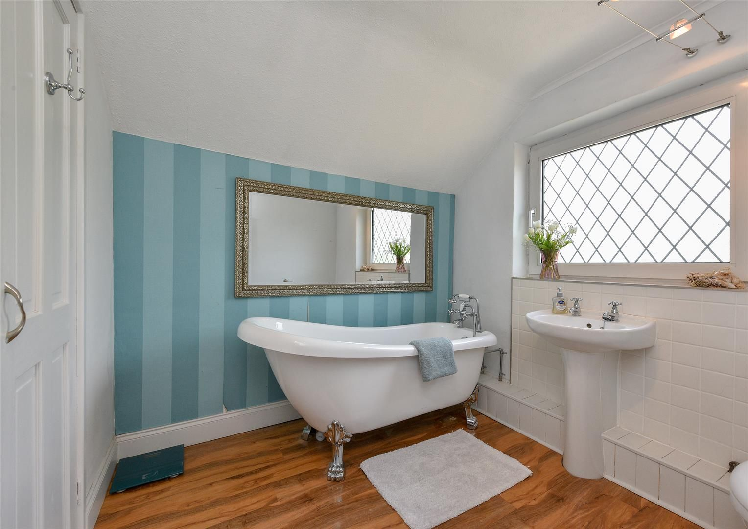 4 bed detached for sale in Swindon  - Property Image 19