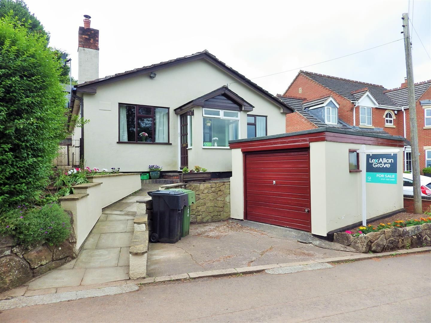 3 bed detached-bungalow for sale in Romsley  - Property Image 1