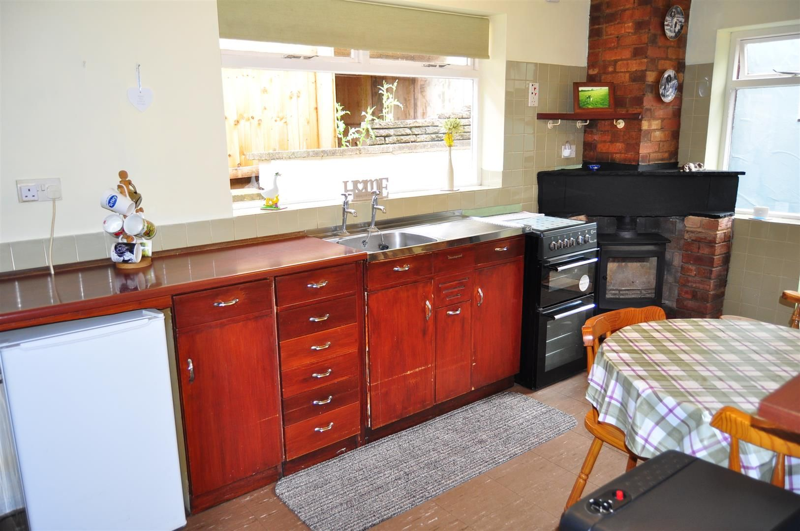 3 bed detached-bungalow for sale in Romsley  - Property Image 6