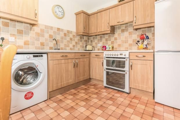 2 bed end-of-terrace for sale  - Property Image 3
