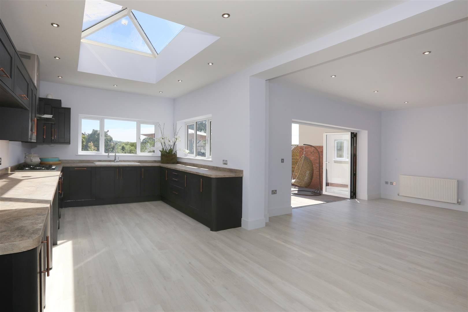 4 bed detached for sale in Hagley 2