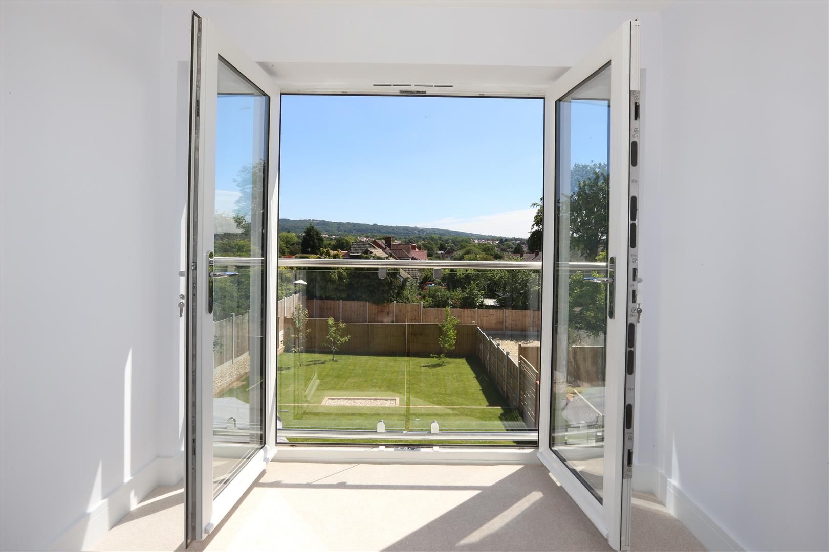 4 bed detached for sale in Hagley 12