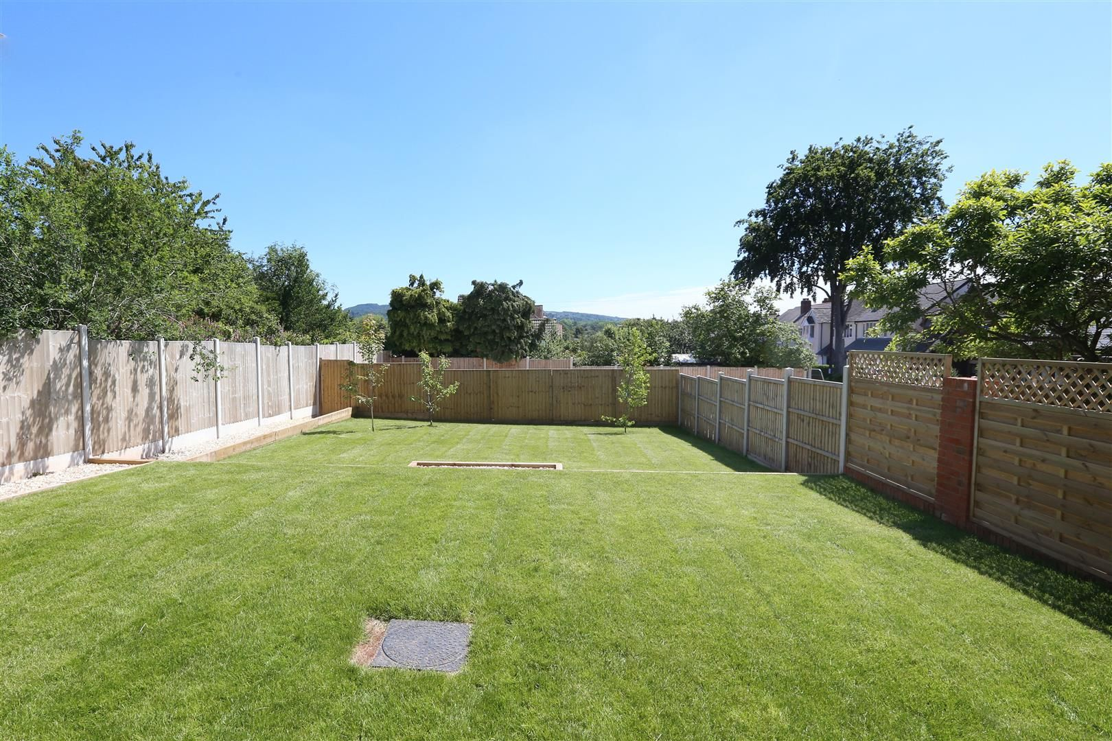 4 bed detached for sale in Hagley 32