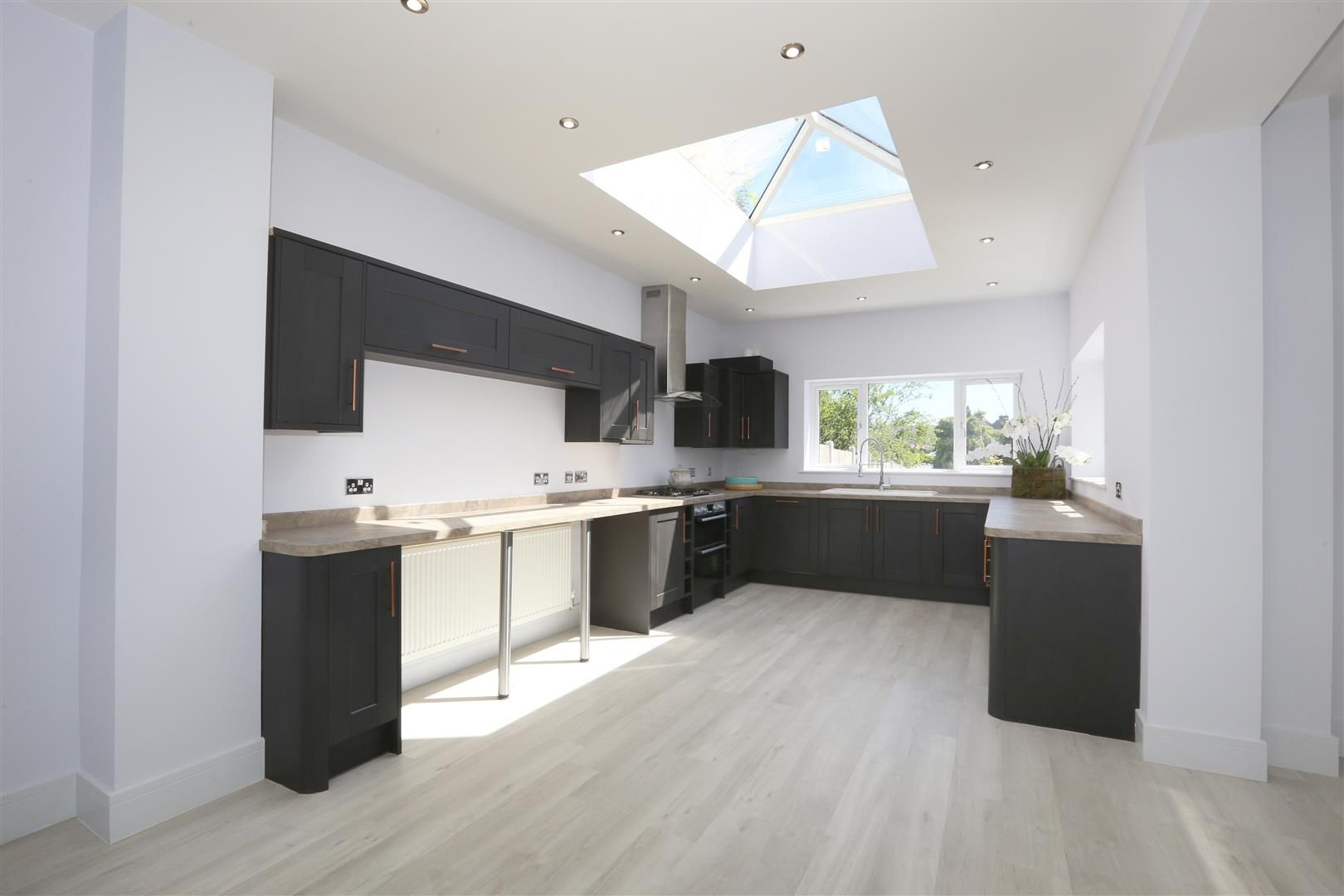 4 bed detached for sale in Hagley 7