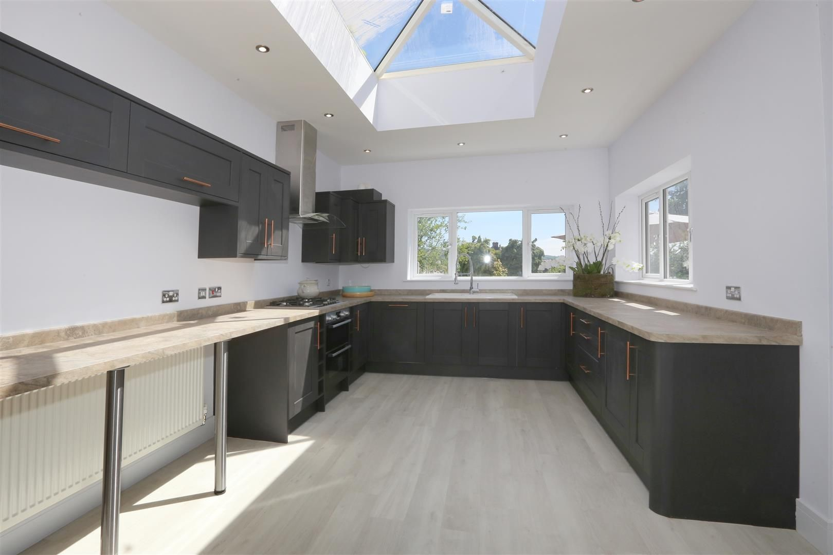 4 bed detached for sale in Hagley 8