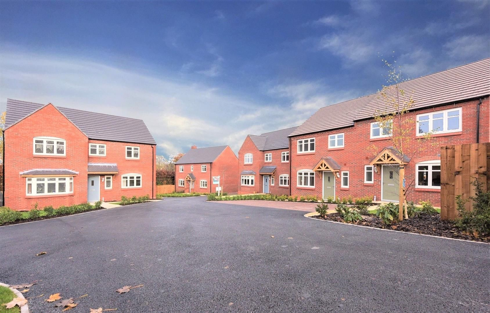 4 bed detached for sale 32