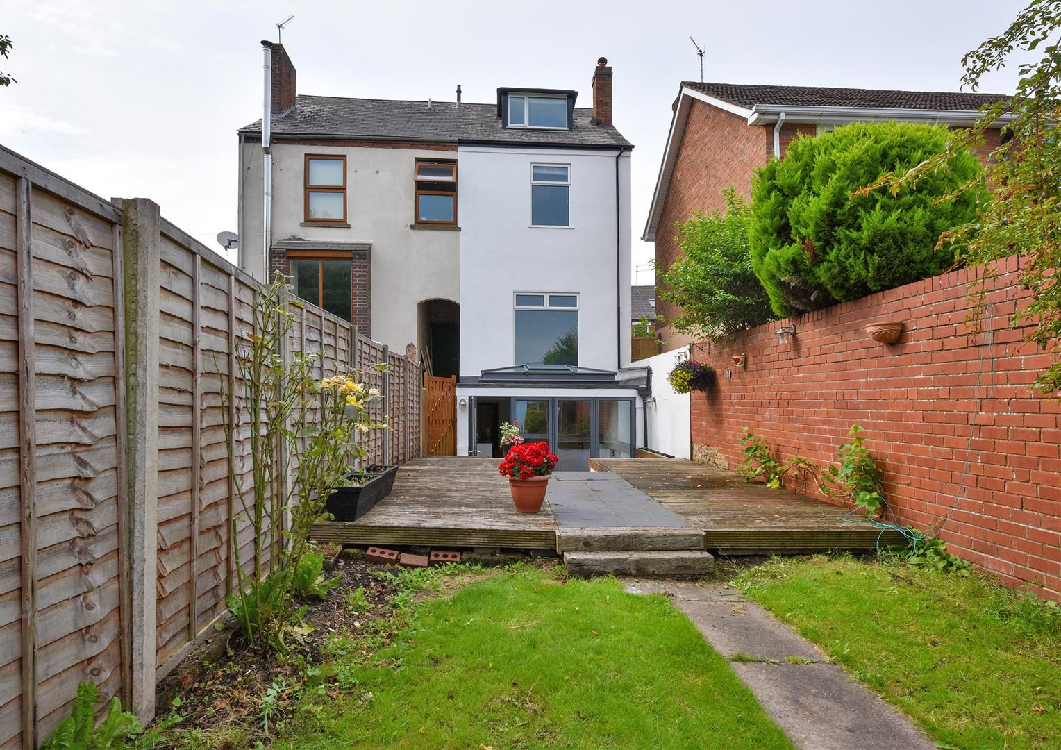 4 bed semi-detached for sale in Old Quarter 1
