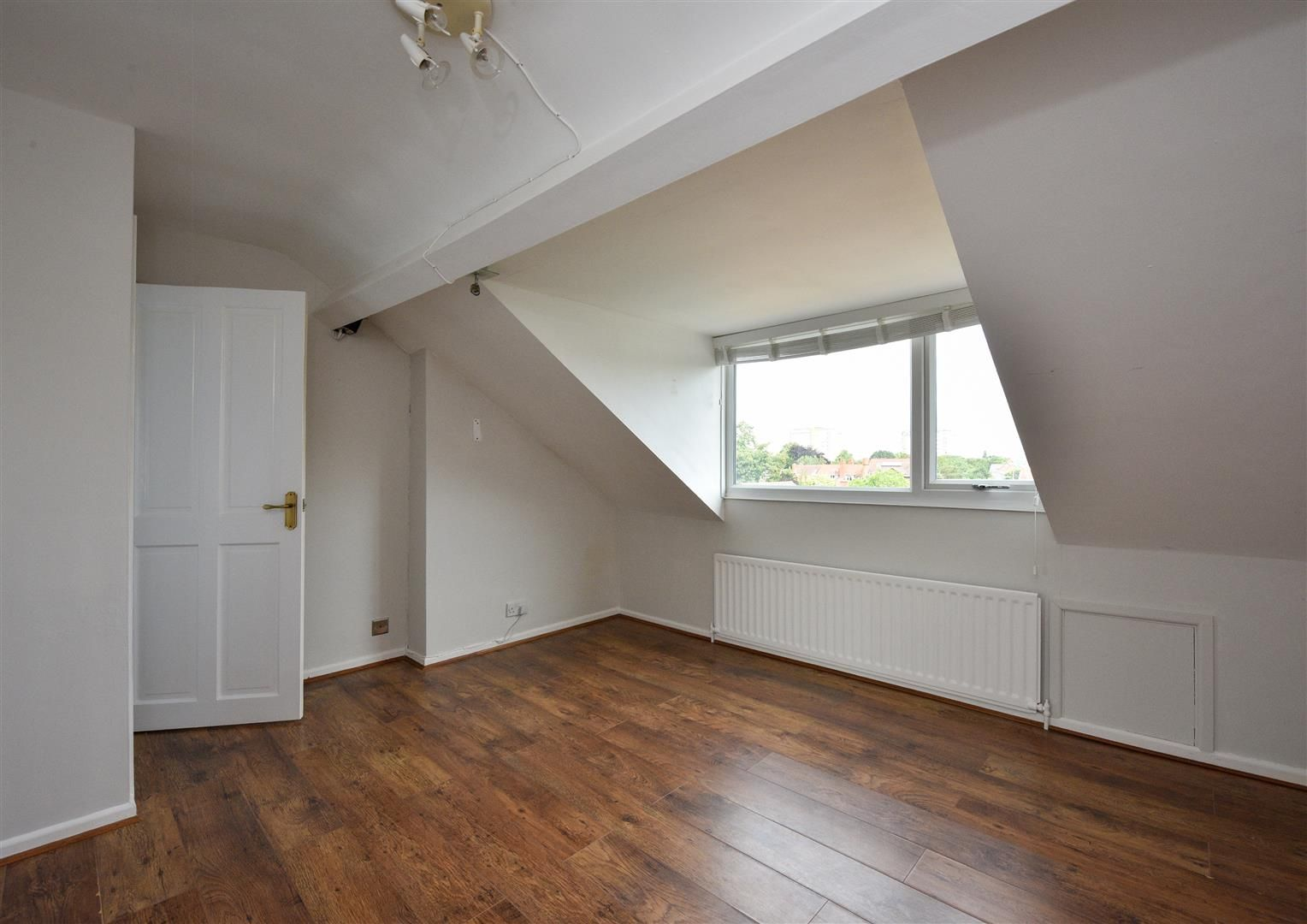 4 bed semi-detached for sale in Old Quarter 16