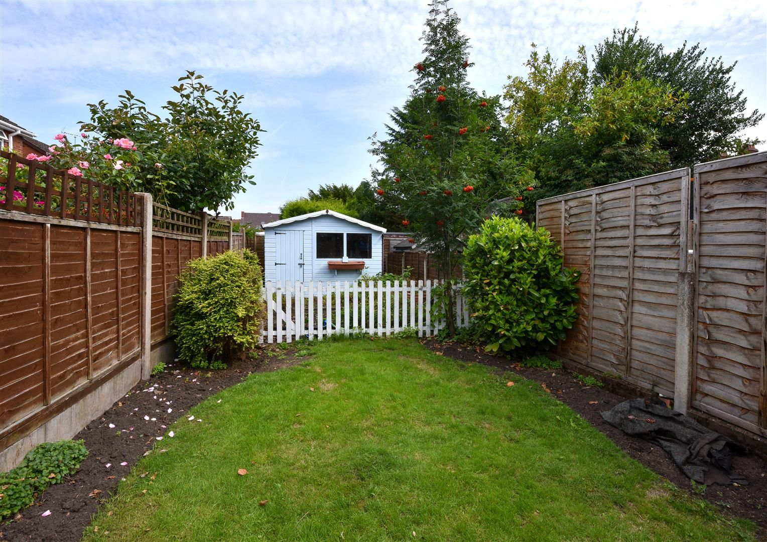 4 bed semi-detached for sale in Old Quarter 20