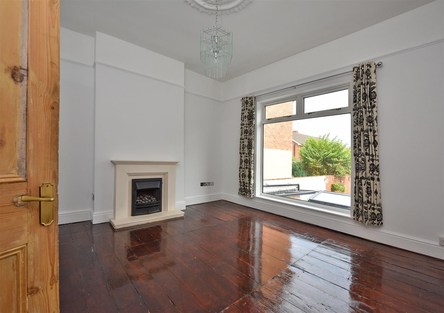 4 bed semi-detached for sale in Old Quarter 5