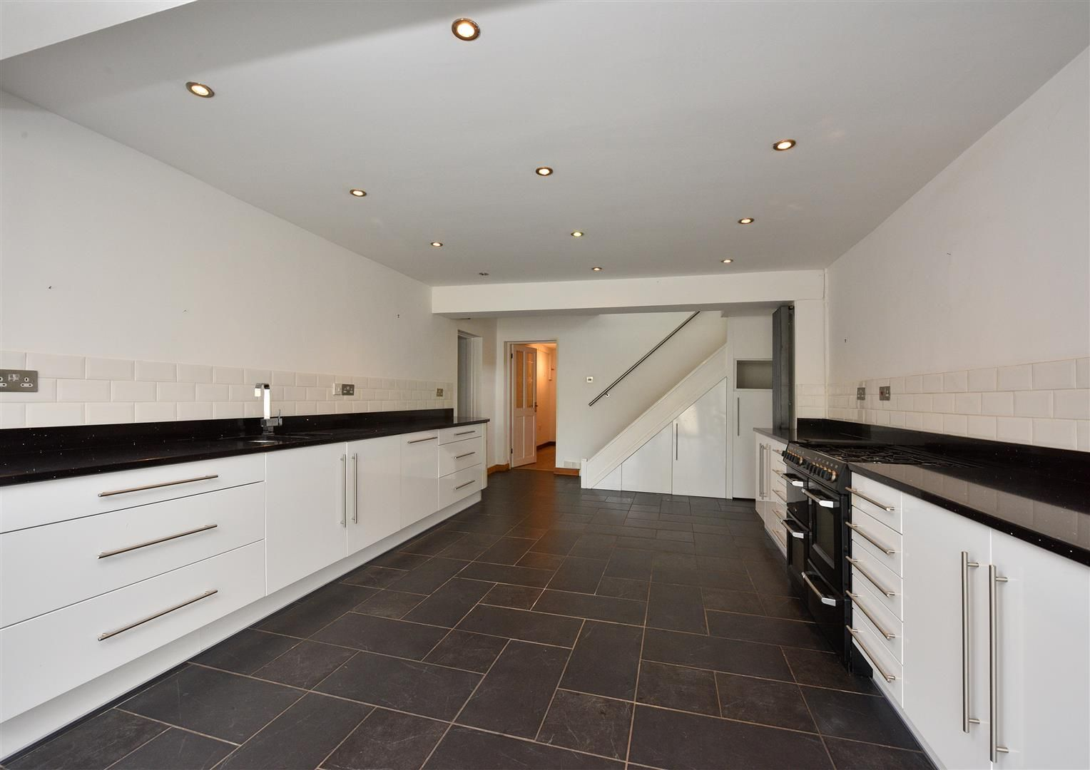 4 bed semi-detached for sale in Old Quarter 6