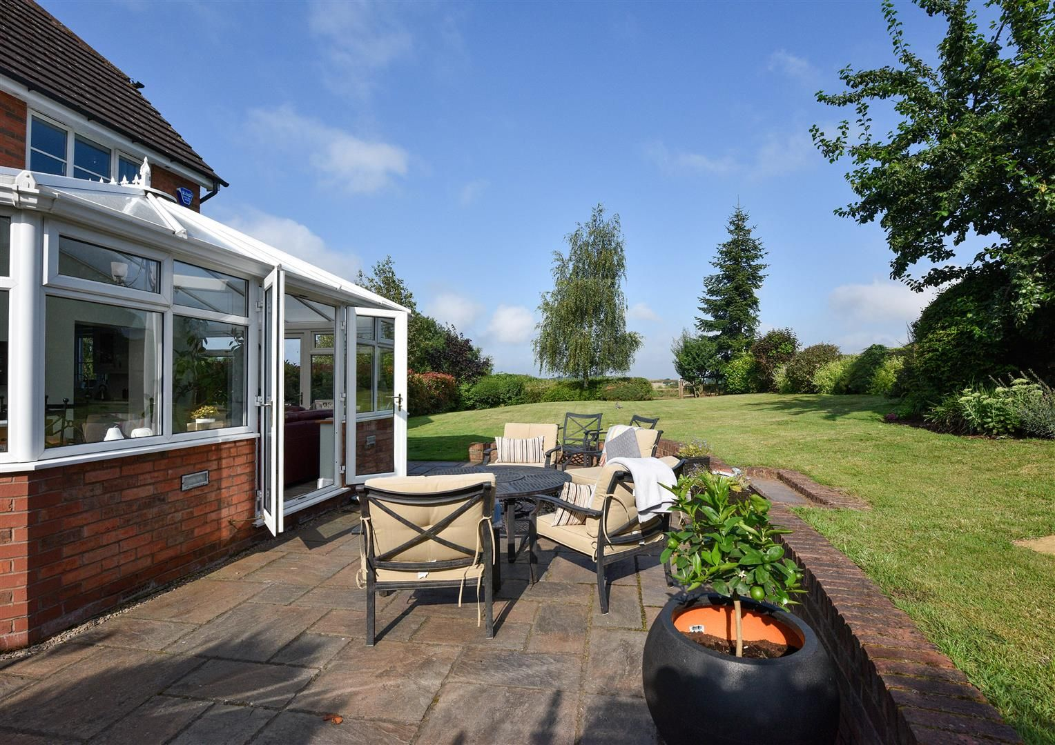 5 bed house for sale in Hagley  - Property Image 16