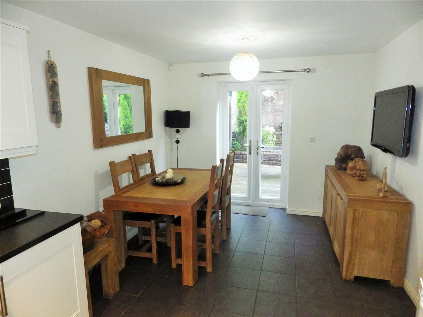4 bed semi-detached for sale  - Property Image 3