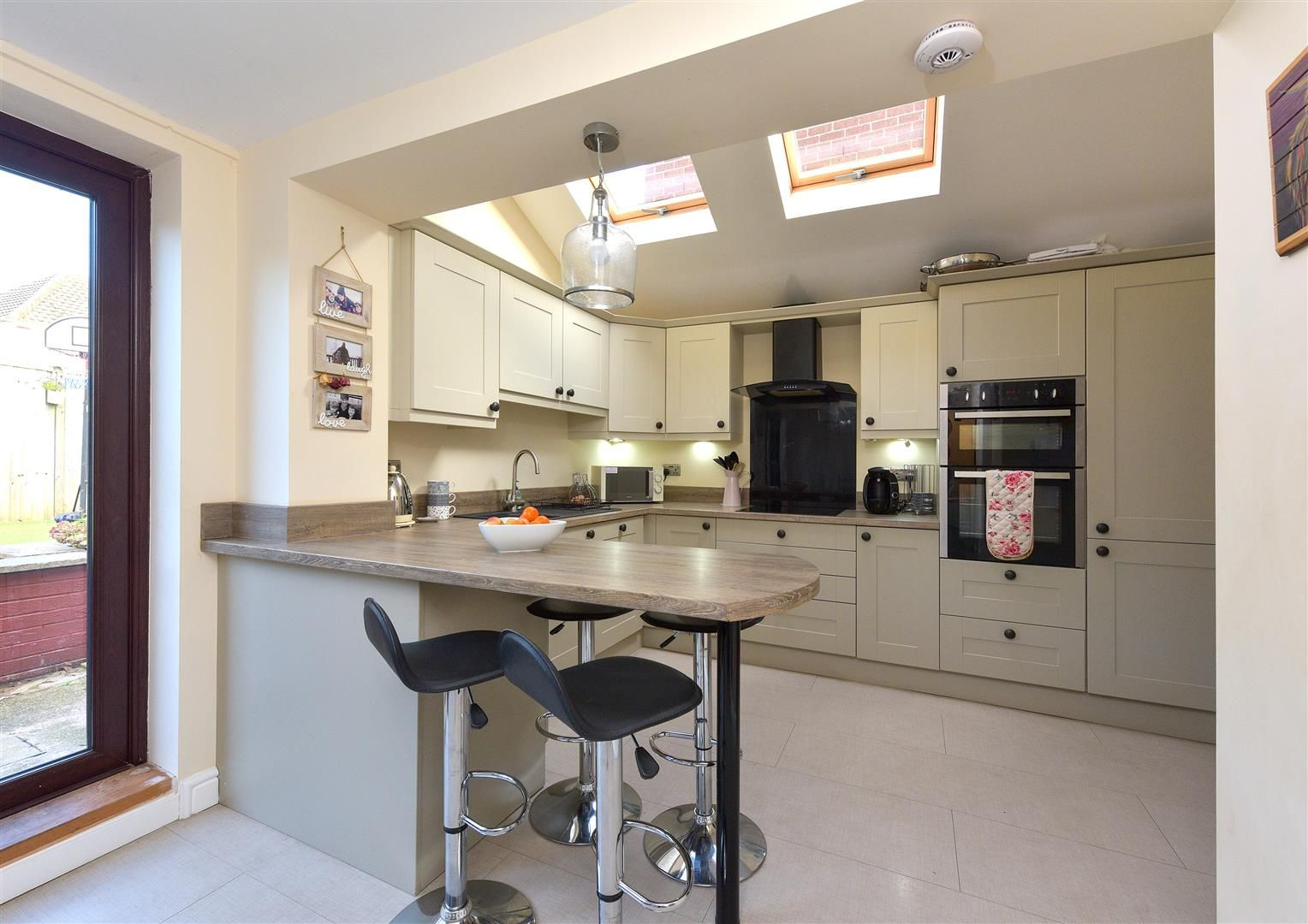 3 bed semi-detached for sale in Hayley Green  - Property Image 8