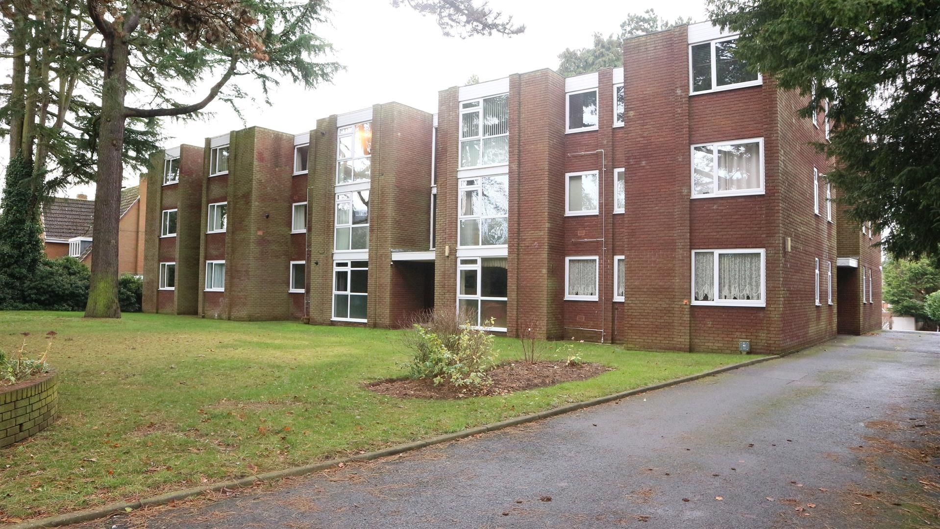 2 bed apartment for sale, DY9