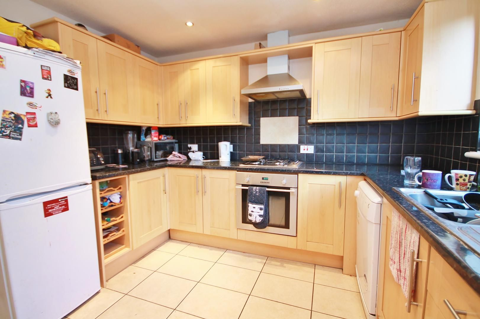 5 bed house for sale in Robin Crescent  - Property Image 10