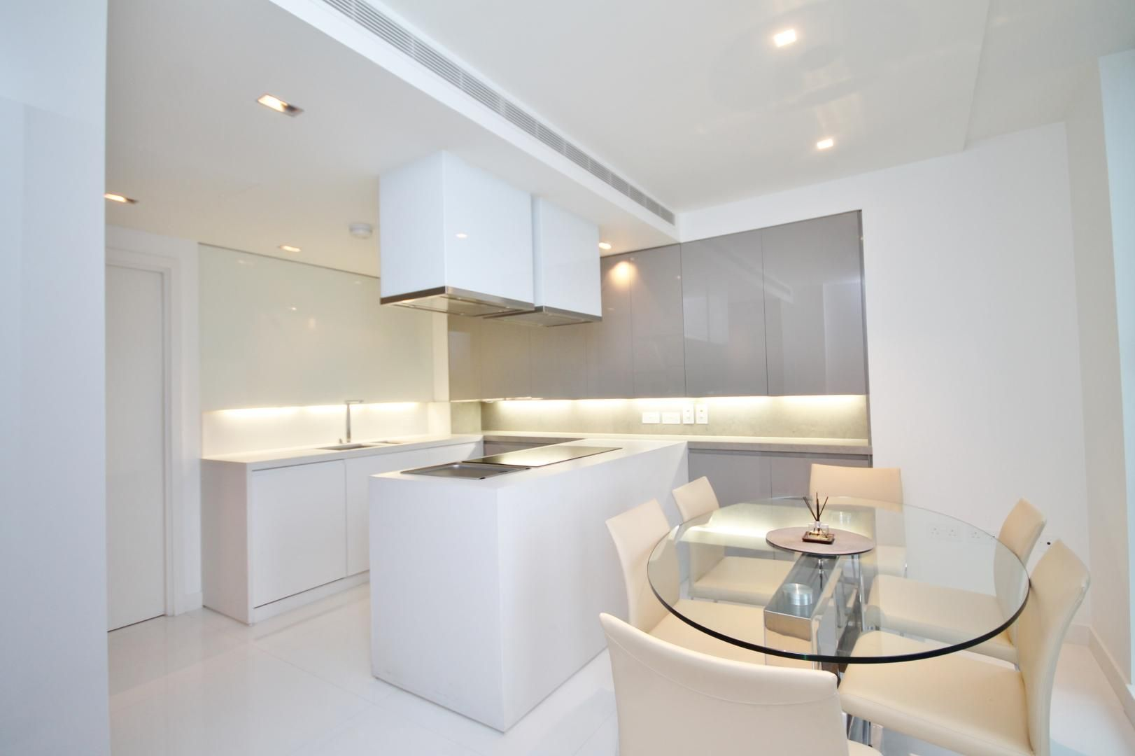 3 bed flat to rent in Pan Peninsula Square  - Property Image 7