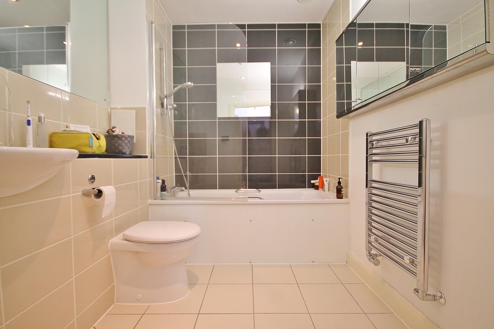 1 bed flat for sale in Station Way  - Property Image 7
