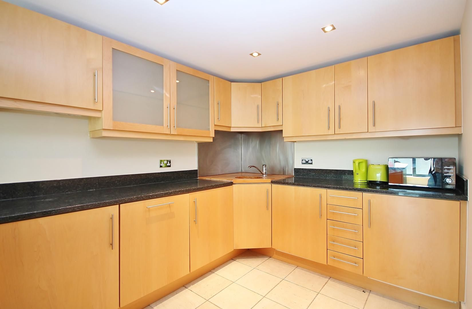 2 bed flat for sale in Millharbour  - Property Image 2