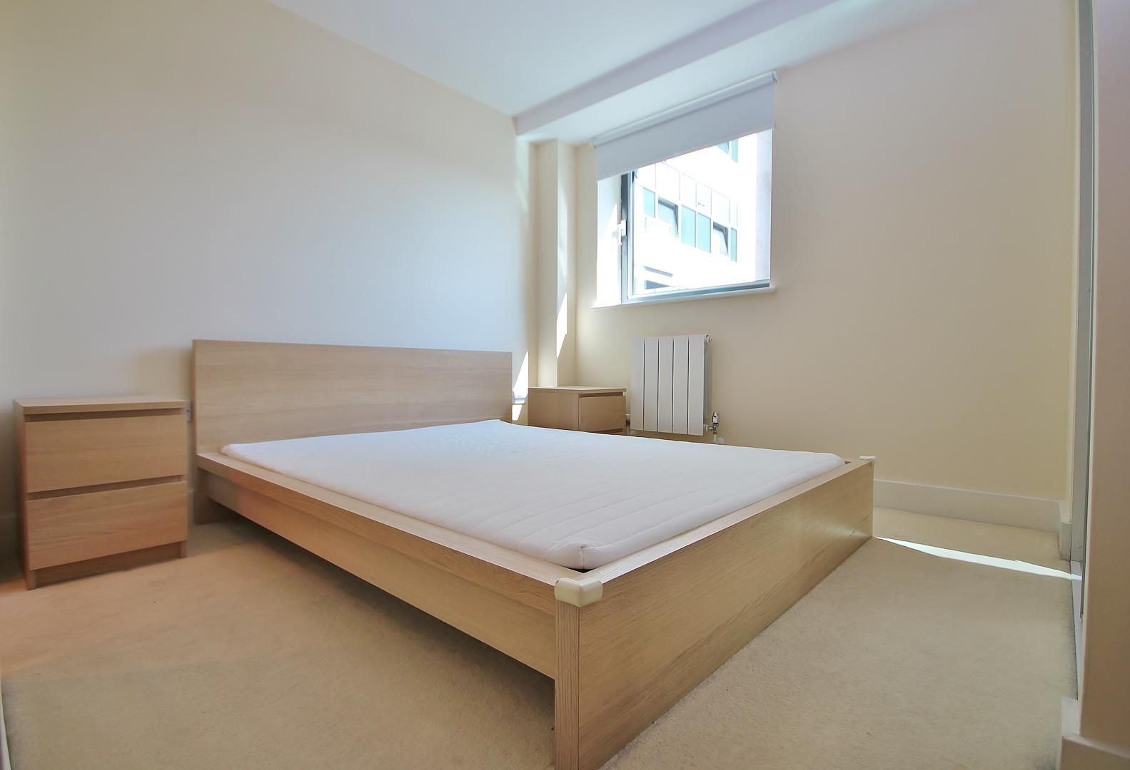 2 bed flat for sale in Millharbour  - Property Image 6