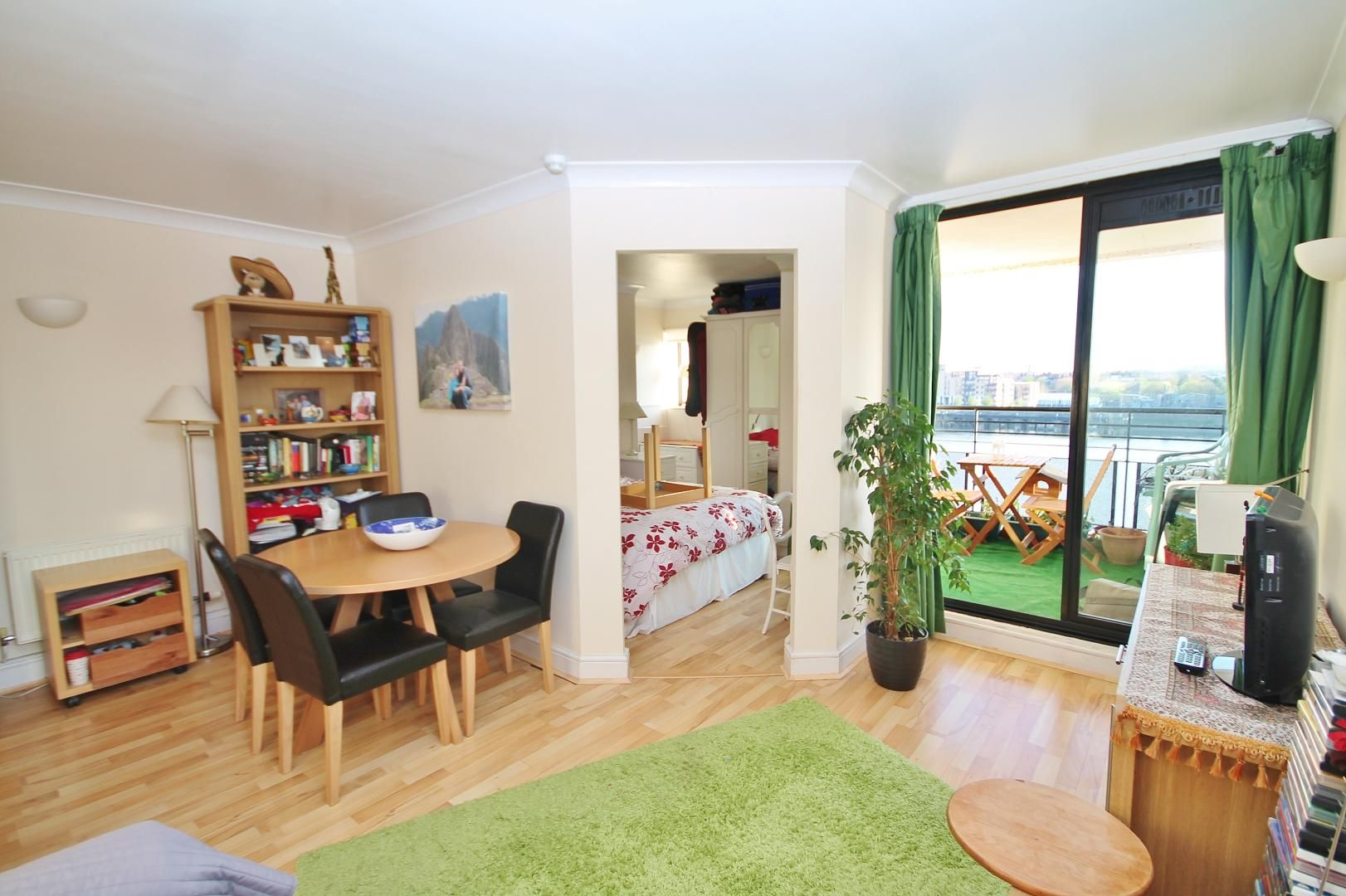 1 bed  for sale in Burrells Wharf Square  - Property Image 4