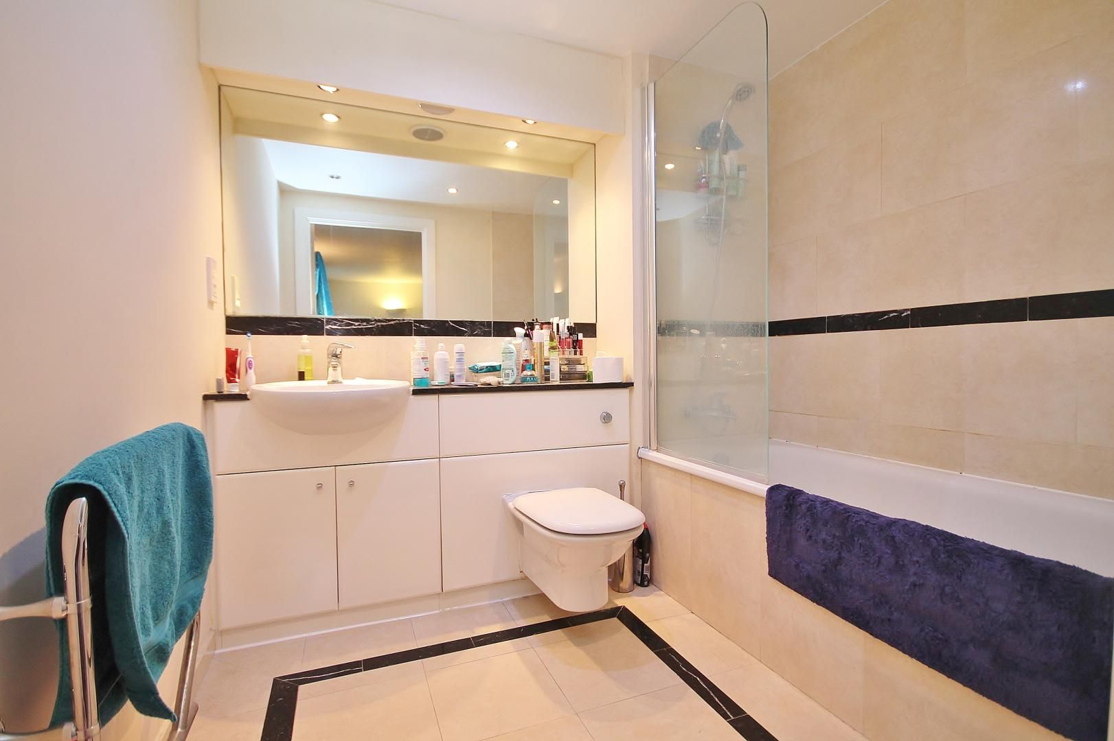3 bed flat for sale in Western Gateway  - Property Image 13