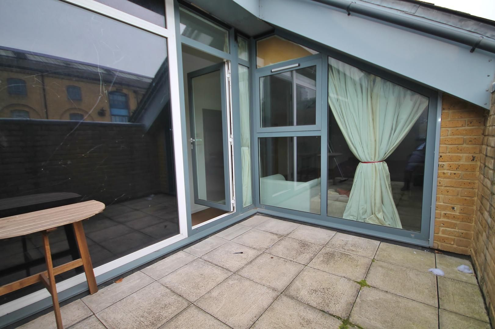 3 bed flat for sale in Western Gateway  - Property Image 8