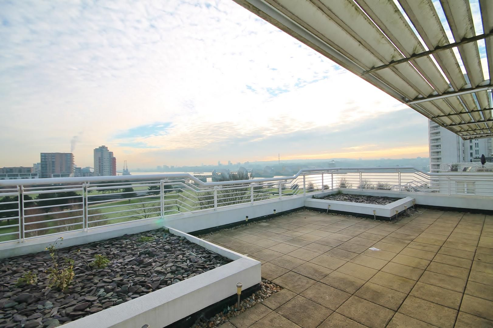 3 bed flat for sale in Barrier Point  - Property Image 12