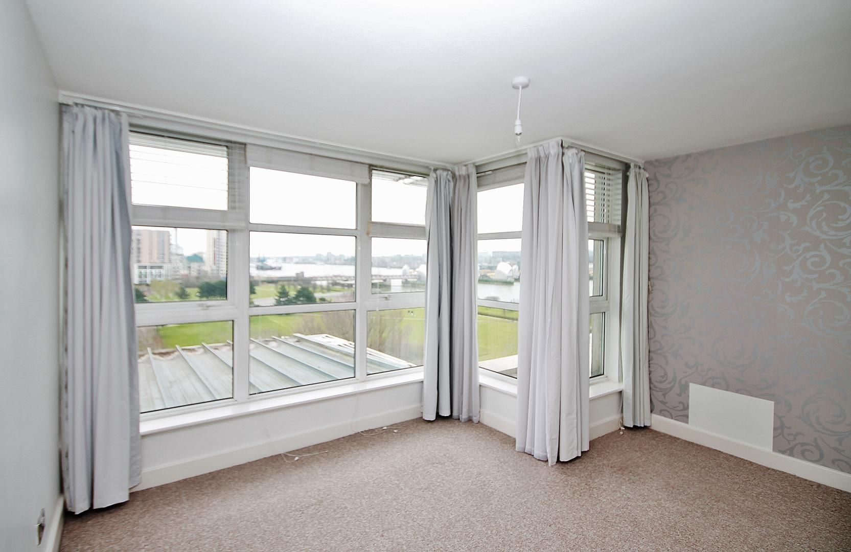 3 bed flat for sale in Barrier Point  - Property Image 5