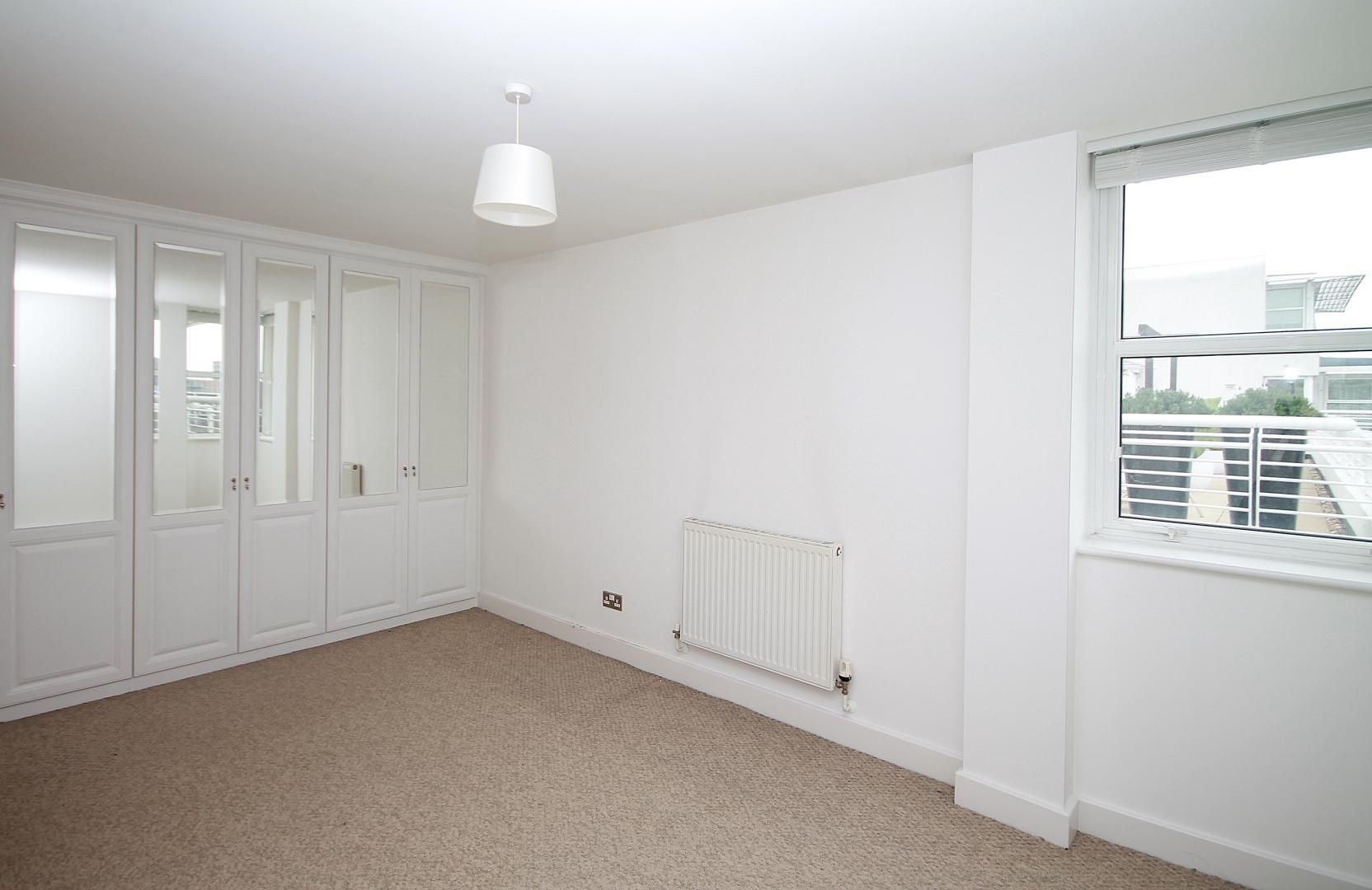 3 bed flat for sale in Barrier Point  - Property Image 8