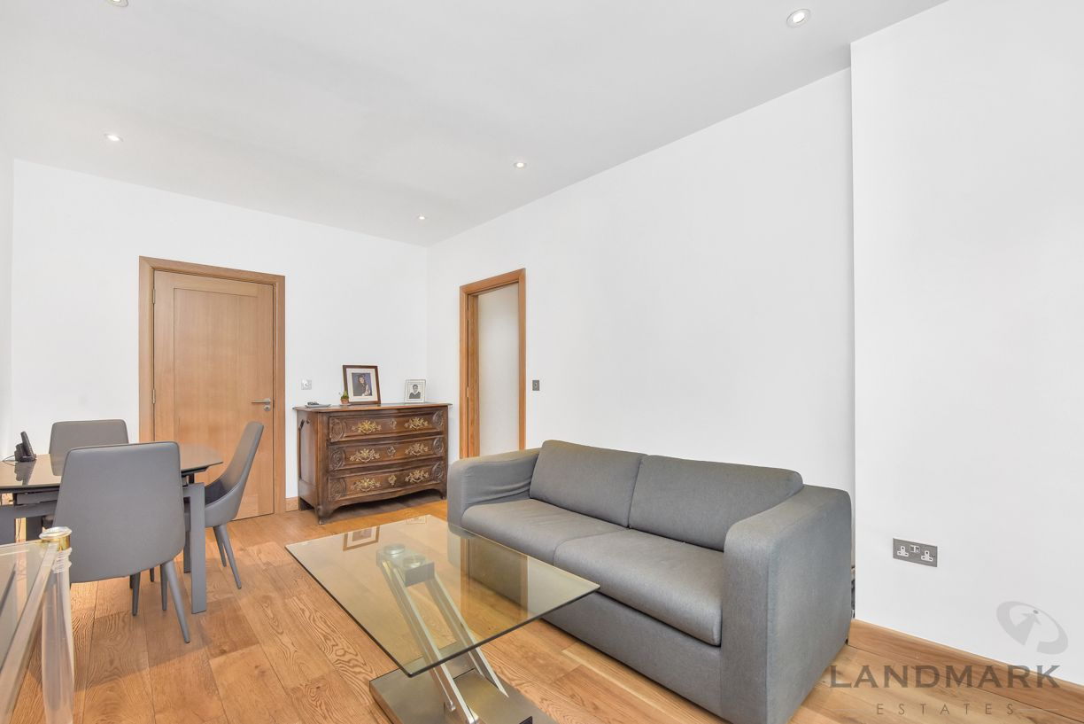 3 bed house for sale in Wendell Mews  - Property Image 6