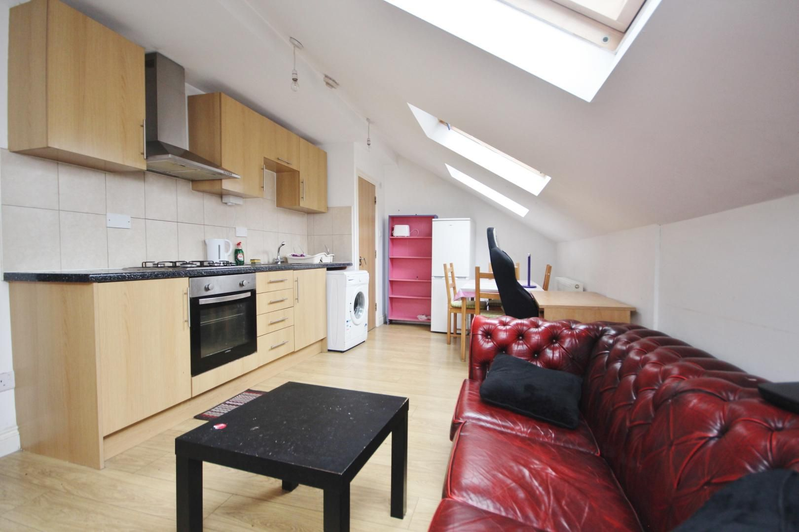 1 bed flat to rent in High Street  - Property Image 2