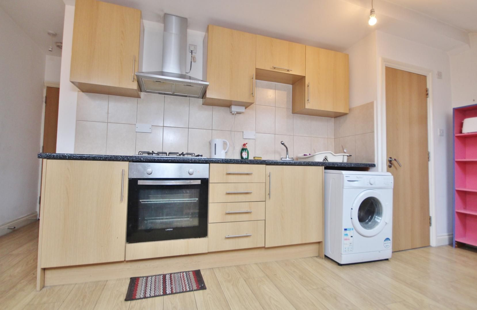 1 bed flat to rent in High Street  - Property Image 6