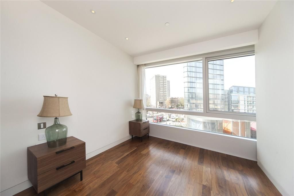 2 bed flat to rent in Canaletto Tower  - Property Image 4