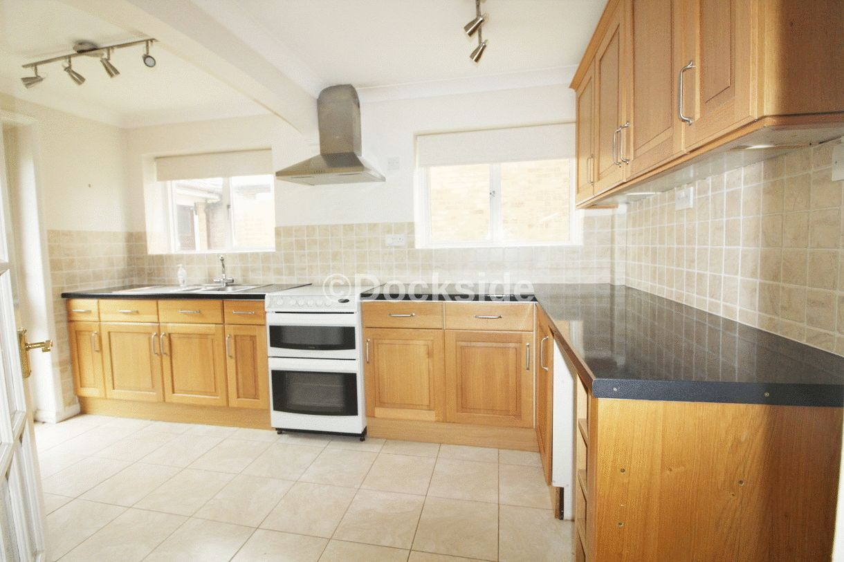 3 bed  to rent in Westgate Close  - Property Image 1