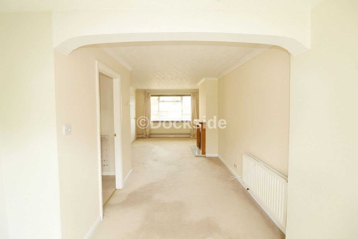 3 bed  to rent in Westgate Close  - Property Image 4