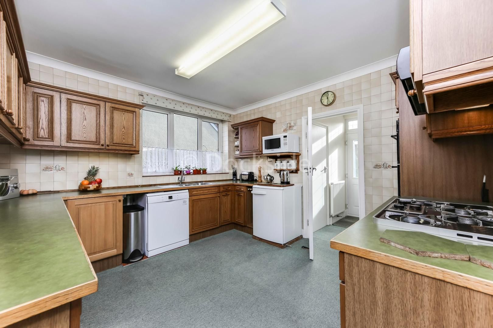 4 bed house for sale in Brompton Farm Road  - Property Image 6