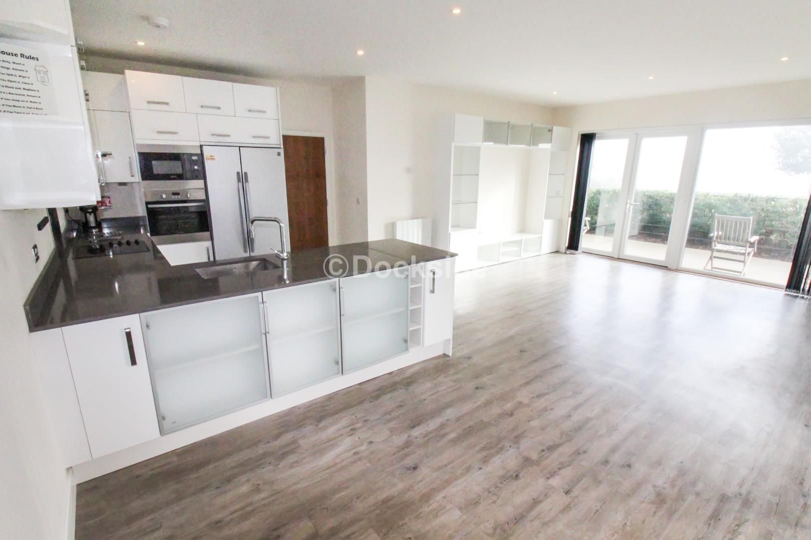 3 bed flat for sale in Pearl Lane  - Property Image 1