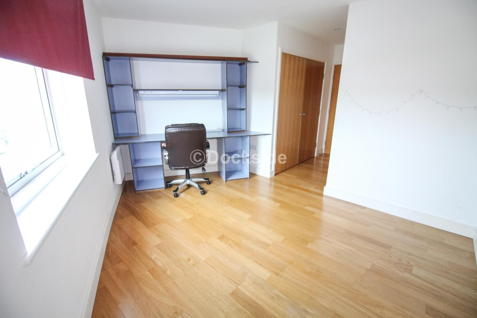 2 bed  to rent in Dock Head Road  - Property Image 5