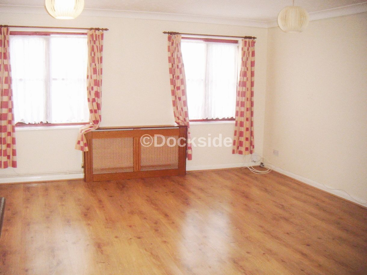 Flat to rent in Frindsbury Road  - Property Image 5