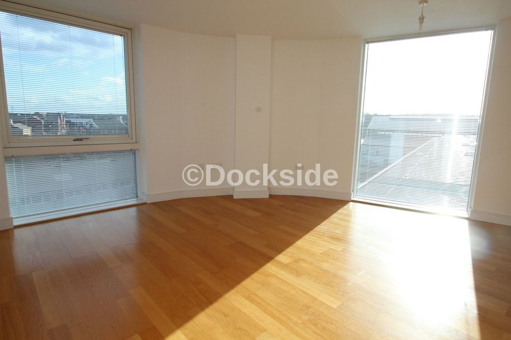 2 bed flat to rent in The Quays, Dock Head Road, ME4