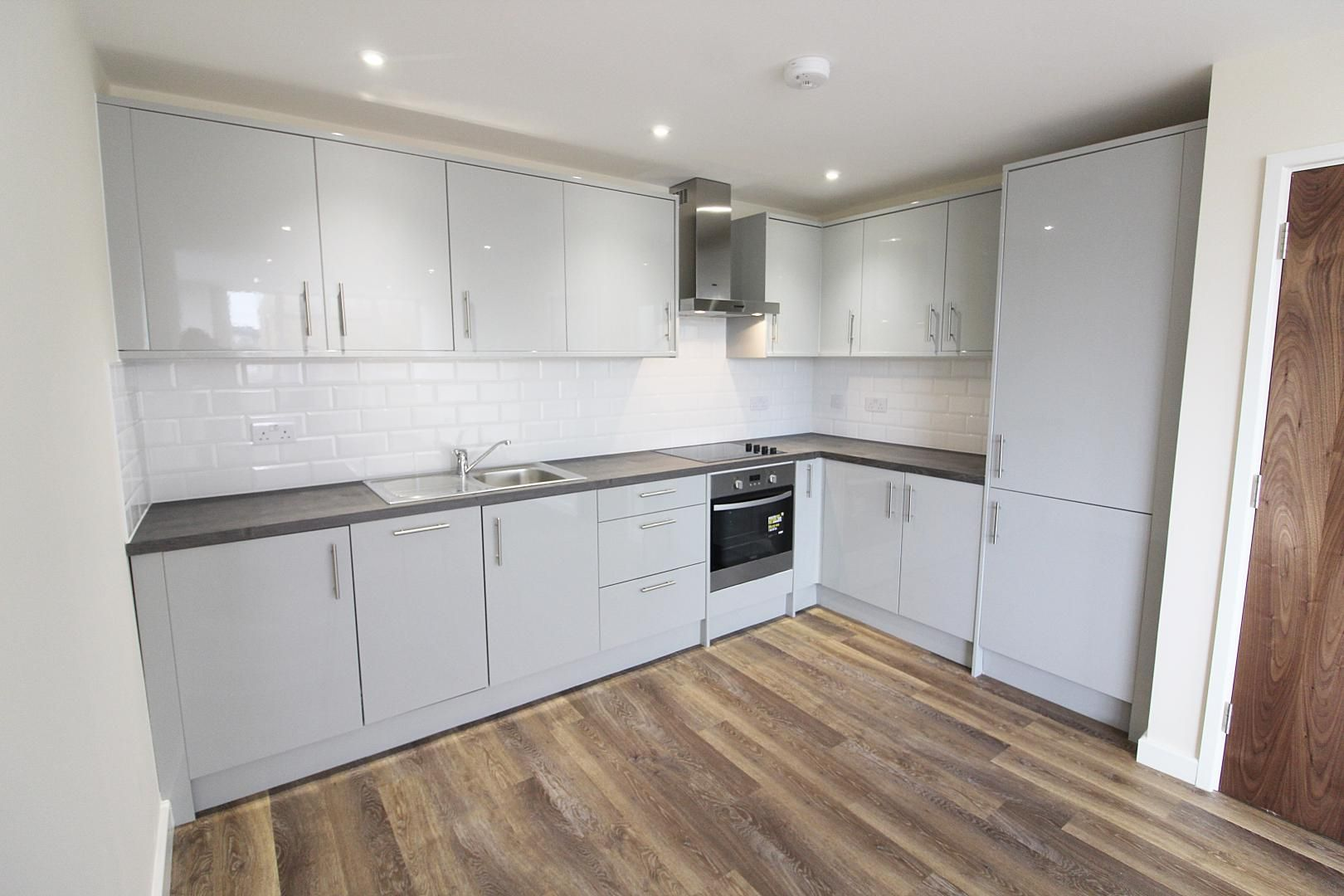 1 bed flat for sale in Bank Street  - Property Image 11