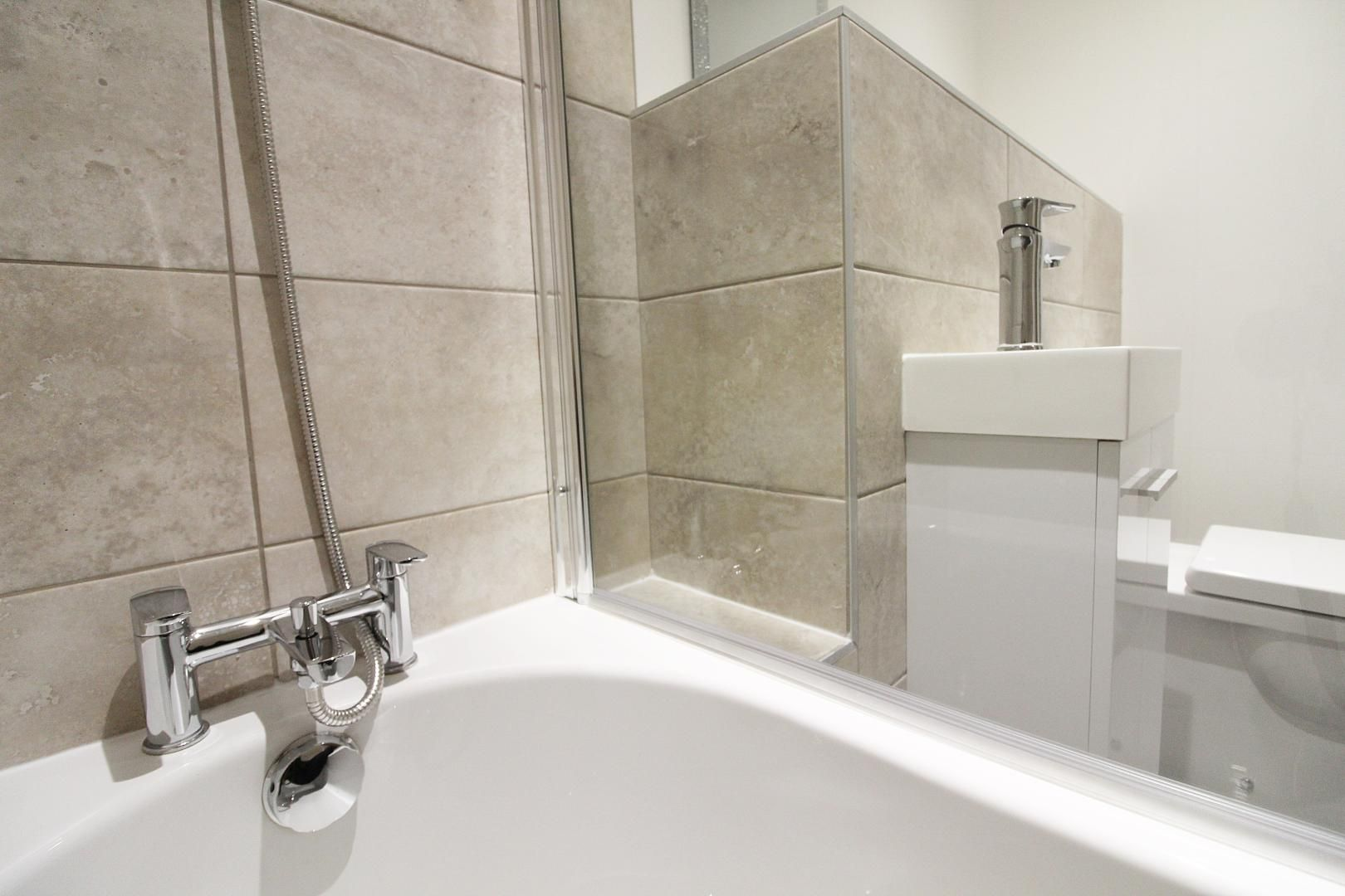 1 bed flat for sale in Bank Street  - Property Image 10